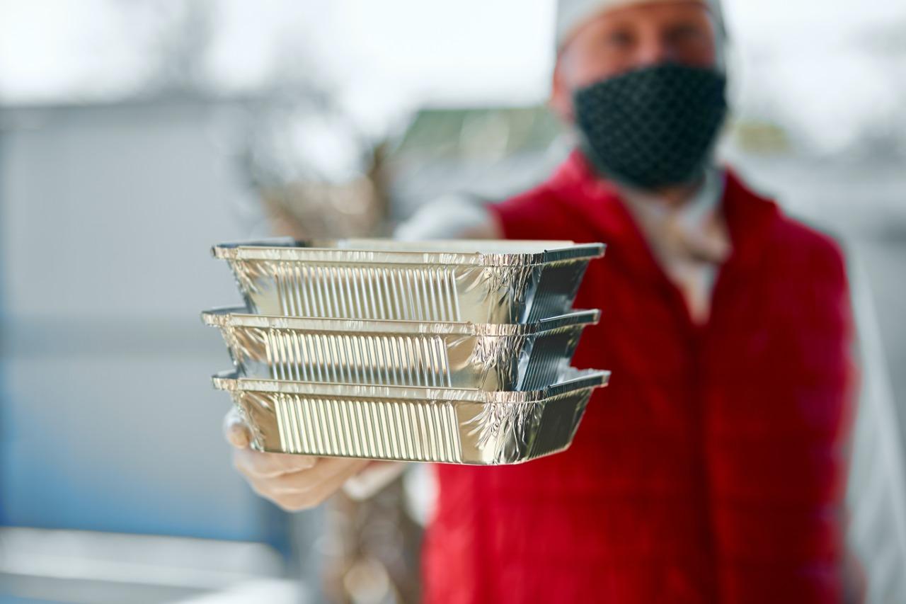 Transmissão de coronavírus por embalagens e alimentos é 'muito improvável', diz agência americana - Abrasel