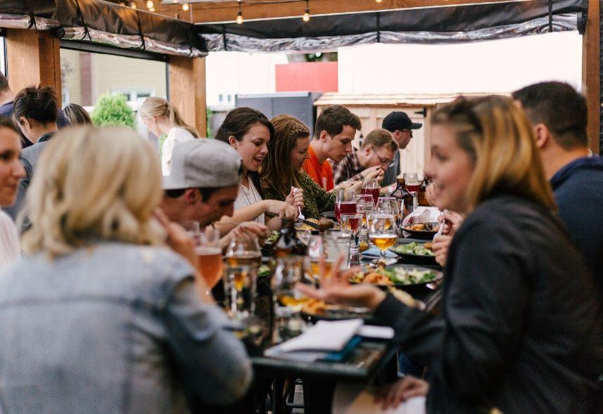 Redes sociais para restaurantes e bares: veja dicas de sucesso!
