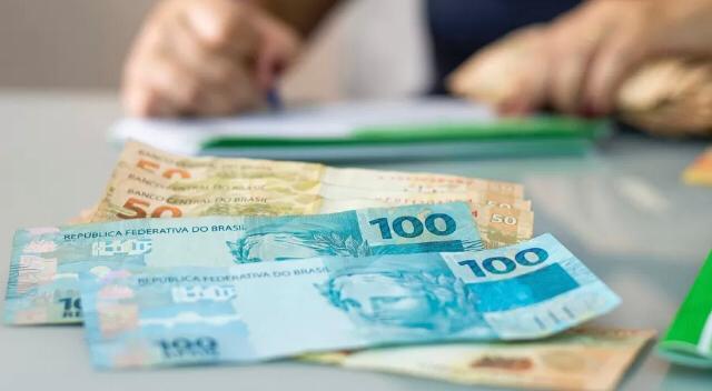 Bancos não aumentam prazo de empréstimo, e pequenas empresas correm risco - Abrasel