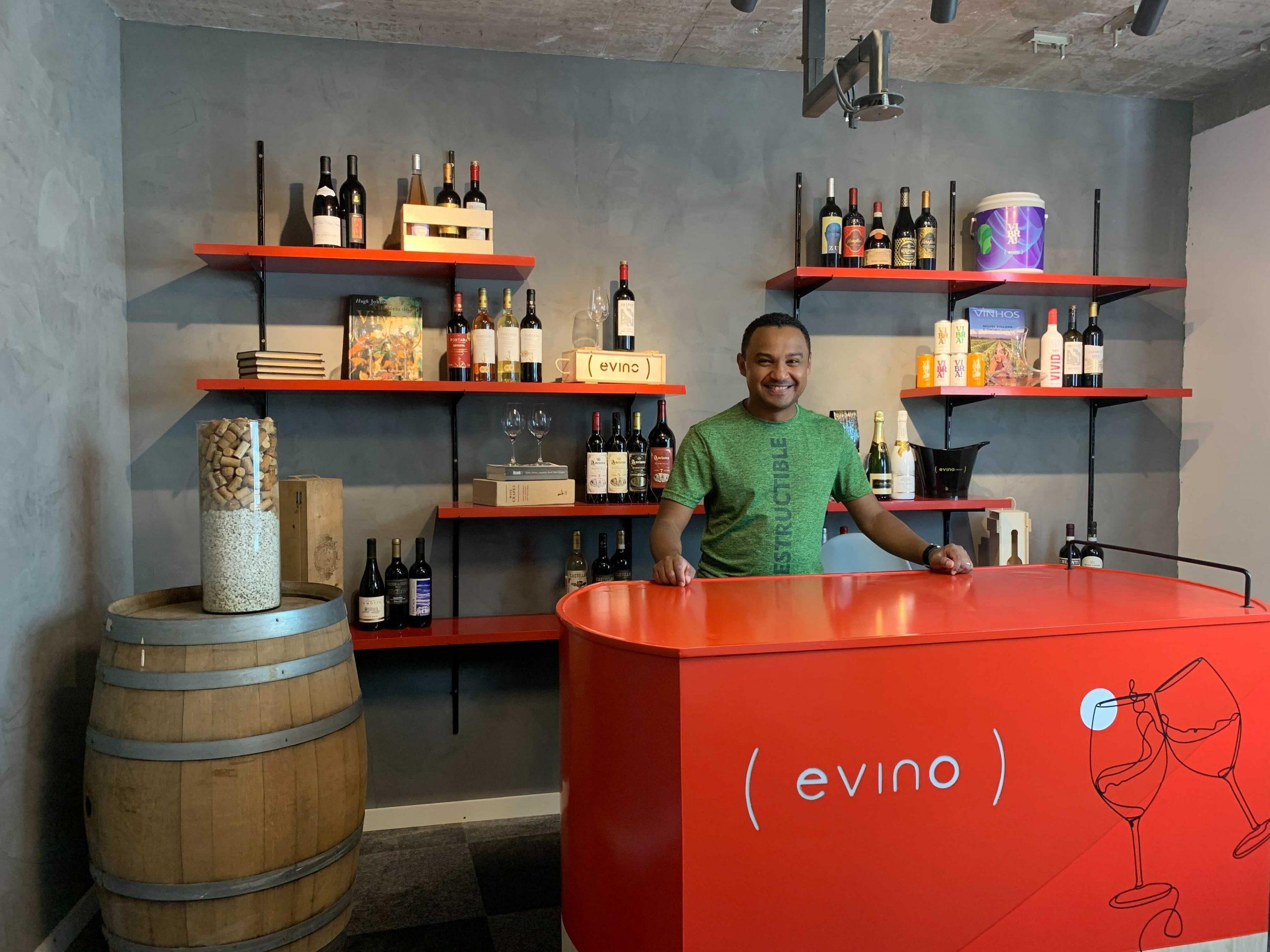 Evino lança loja online para consumidor comprar vinho ao vivo com sommelier | Mercado&Consumo