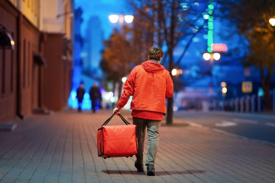 Vem aí o Open Delivery: tecnologia promete aumento da concorrência e redução de taxas de entregas - Abrasel